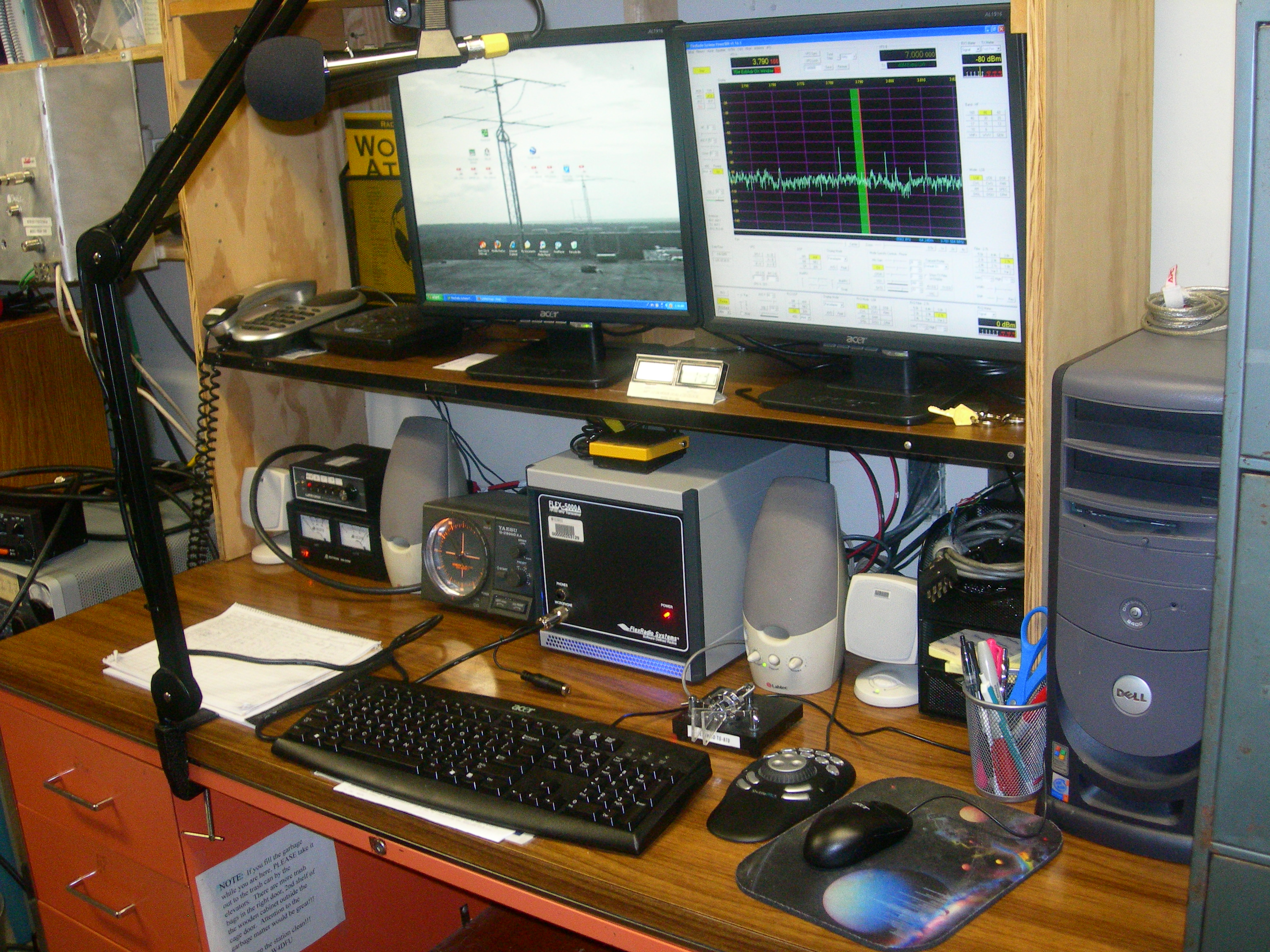 Operating HF1 at the Gator Amateur Radio Club (W4DFU) at the University of Florida, Gainesville